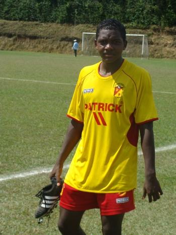 La carrera profesional de Izquierdo inicio en el Deportivo Pereira en 2010. En 2013 se vinculó al Once Caldas y un año masa tarde llegó al Brujas de Bélgica.