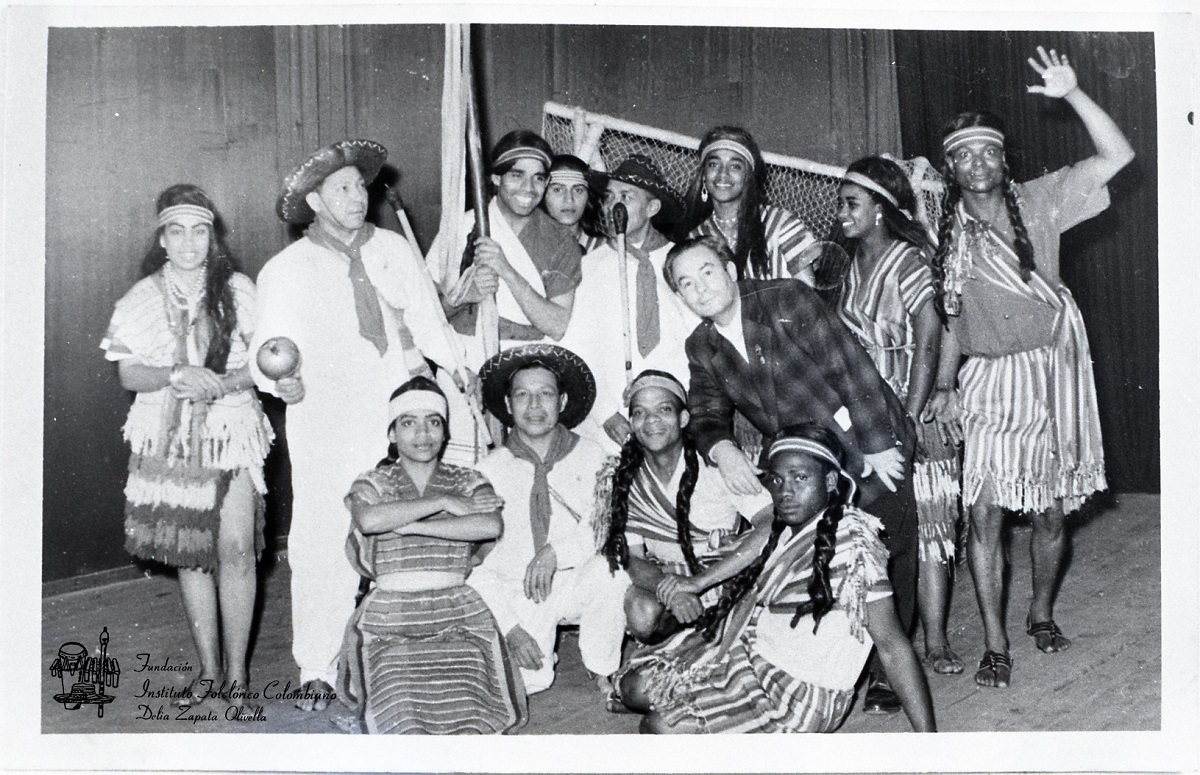Conjunto de danzas folclóricas Delia Zapata Olivella (1957) / Foto: Fundación Instituto Folclórico Colombiano Delia Zapata Olivella.