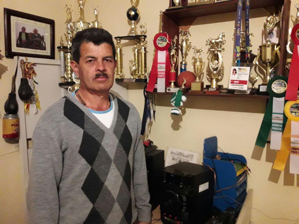 Eduardo Martínez hace parte de la familia de los fundadores de la carrera de bueyes que cada agosto durante las fiestas patronales en honor a San Lorenzo Mártir se realizan en San Lorenzo.
