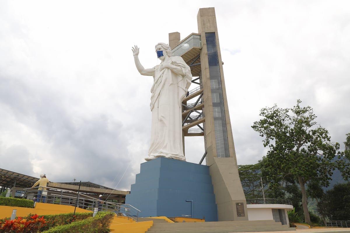 Monumento de Santísimo con tapabocas, Foto: Angélica Blanco