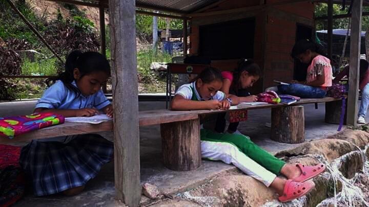 'San Juan Lee' es un proyecto sin ánimo de lucro que se desarrolla con el amor y la vocación de enseñar.