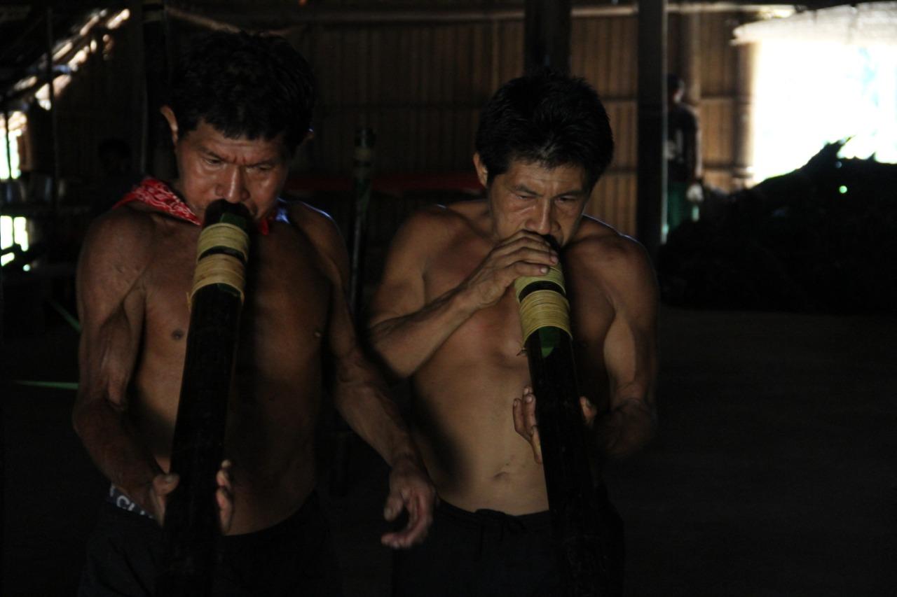 Instrumentos sagrados en ceremonia de los Tatuyo. Foto: Emerson Castro. Radio Nacional de Colombia Mitú.