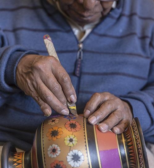 Foto cortesía: Artesanías de Colombia. Maestro José Obando. Miércoles 6 de junio.