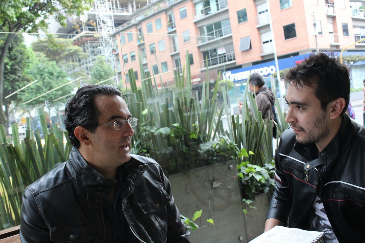 Juan Gabriel Vásquez El Ruido de las cosas al caer. Foto: Esteban Herrera