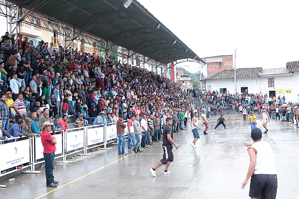Cada equipo de chaza tiene cinco jugadores y debe tener un máximo de cinco suplentes.Foto: Cortesía José Ismael Cardozo.