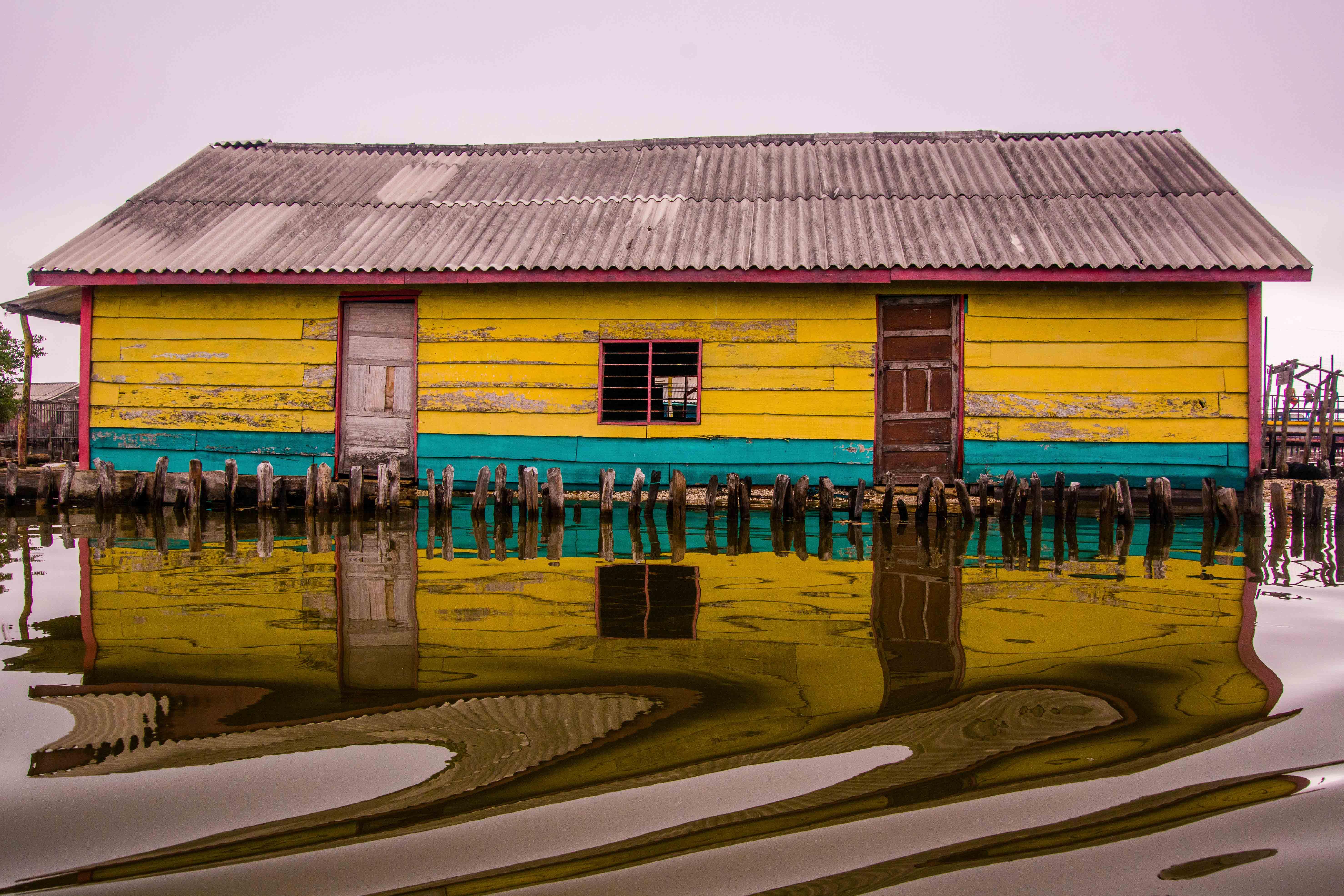 Foto: Carlos Mario Parra de la serie Sueños sobre la superficie en Nueva Venecia-Magdalena