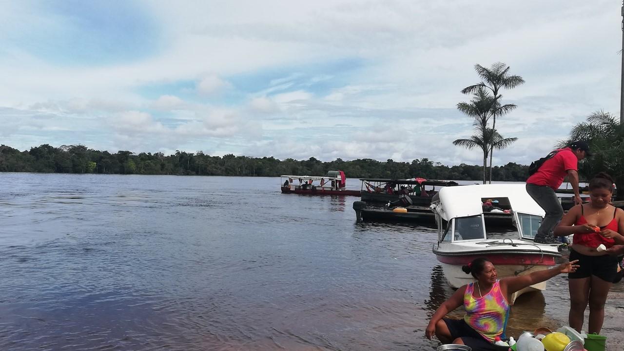 Puerto del resguardo Paujil, donde se realizó la competencia de zambullido.
