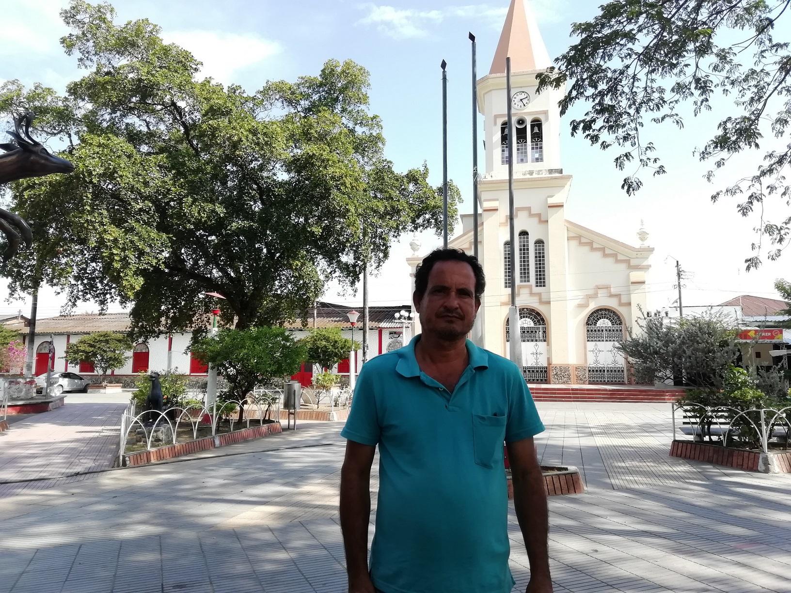 Hermán Rolando Troncoso, historiador y víctima del conflicto armado en Venadillo (Tolima). Foto: Adriana Chica.