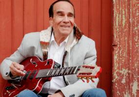 A su 85 años, Noel Petro regresa a la escena musical. Foto: Colprensa. Marzo 2018.