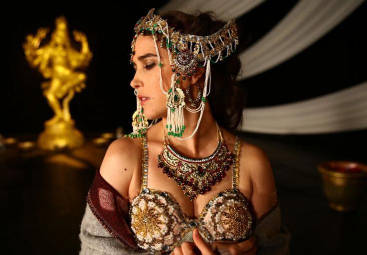 Vahina Giocante interpreta a Mata Hari en la serie Mata Hari, que se emite desde este 23 de septiembre por Señal Colombia a las 8 p.m.