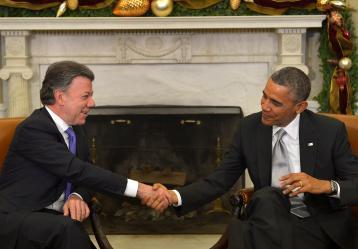 El Presidente Santos conversa con el mandatario norteamericano Barack Obama durante su visita oficial a los Estados Unidos. Foto: Archivo Presidencia de la República