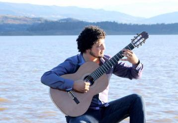El joven músico Mario Arévalo. Foto: Facebook Mario Arévalo.