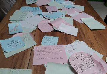 Cartas en lo que los tumaqueños expresan sus deseos de paz. Foto: Natalia Cabrera.