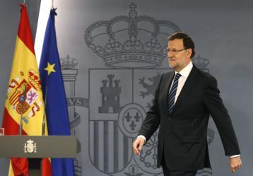 El presidente del Gobierno español, Mariano Rajoy, a su llegada a su comparecencia hoy en el Palacio de la Moncloa para hacer una declaración tras la celebración del 9N en Cataluña. Foto: EFE/PACO CAMPOS