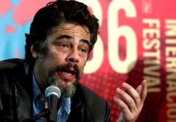 El actor Benicio del Toro, quien encarnará a Pablo Escobar en el cine