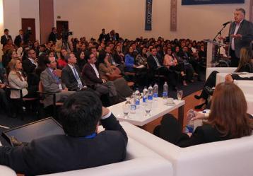 El ministro del Trabajo, Luis Eduardo Garzón, consideró hoy necesaria para el país una gran reforma que permita estructurar una política de Estado para la población en condición de discapacidad. Foto: MinTrabajo