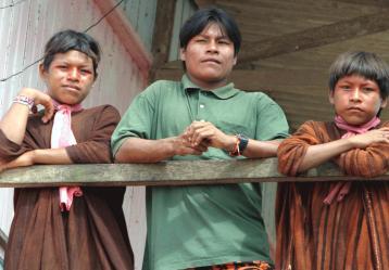 Foto: Indígenas de la etnia Asháninkas. Licencia Creative Commons