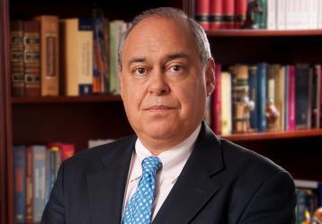 El excomisionado Camilo Gómez, quien estuvo con el expresidente Pastrana en Venezuela