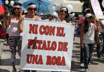 Mujeres en marcha contra la violencia de género. Foto: Archivo Colprensa