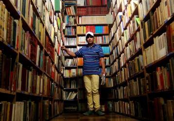 Alberto Salazar Castellanos, el Detective de libros