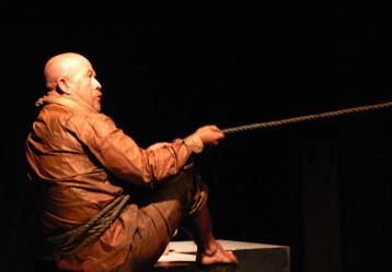 Tuto Muóz es fundador y director del Teatro Punto de Partida. Foto: Cortesía Wilfredo Amaya.