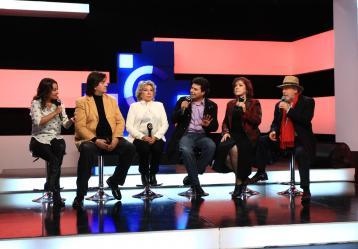 Fausto, Vicky, Billy Pontoni, Isadora y Fernando Calle en Conversaciones de Señal Colombia