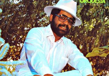 José Mangual Jr. se inició con apenas quince años de edad tocando en grupos locales como: El Súper Combo Los Bohemios y Los Arabacoa.