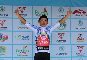 Luis Carlos Chía, ciclista revelación en el municipio de Soacha, hace parte del equipo de la Fundación de Soacha (AES) y del equipo AV Villas Team. Foto: Cortesía Luis Carlos Chía.