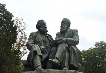 Foto: Ismael Rodríguez Gómez / Monumento en la ciudad de Bishkek (Kirguistán)
