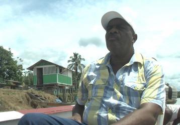 Nevaldo Perea, líder de las comunidades negras del Medio Atrato. Foto: Juan Ricardo Pulido.