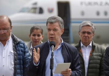 Desde la Base Aérea de Catam, el presidente Juan Manuel Santos e integrantes de su equipo ministerial rindieron un positivo informe sobre el estado de reconstrucción de Mocoa, Putumayo. Foto: Presidencia de la República. Marzo 2018.