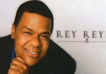 El salsero dominicano Rey Reyes es el invitado de este jueves en Conversando La Salsa de Radio Nacional de Colombia.