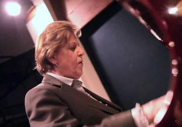 Ruth Marulanda: Foto: Video YouTube - A mis colegas (Victor M. Guerrero).