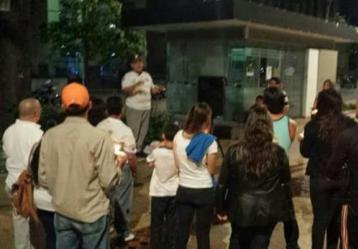 Alba Pereira se reúne con sus compatriotas en varios sectores de la ciudad, para buscar alternativas por su estadía en Bucaramanga.