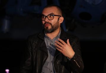Alejandro Franco, periodista musical de W Radio y creador del Warp, Centro de información musical de México. Foto: Sandro Sánchez - RTVC Sistema de Medios Públicos.