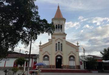 Plaza de Venadillo (Tolima). Foto: Adriana Chica.