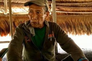 Crédito: Don Plácido es el último abuelo de la etnia Múrui, del clan Martín Buinesa que habita en Puerto Alegría. Foto: Mauricio Orjuela.
