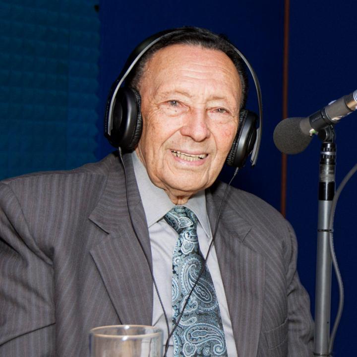 Alberto Fernández en su visita a Radio Nacional de Colombia en 2015. Foto: RTVC Sistema de Medios Públicos.