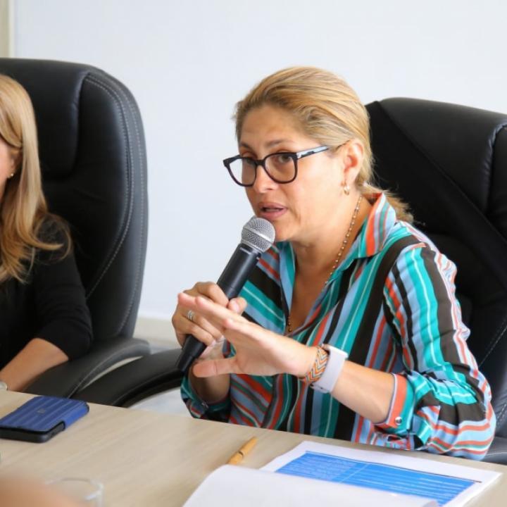Elsa Noguera, gobernadora del Atlántico, y Alma Solano, secretaria de Salud.