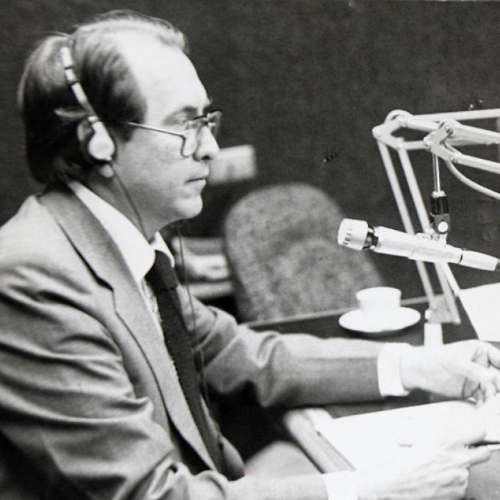 Julio Nieto Bernal, una de las voces claves en la historia de la radio colombiana. Foto: Archivo Colprensa.