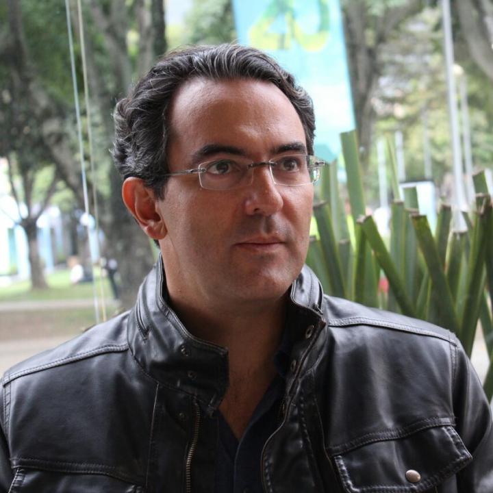 Juan Gabriel Vásquez escritor colombiano. Foto: Esteban Herrera