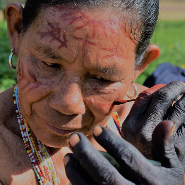 Indígena de la etnia bara, uno de los 27 pueblos indígenas que habitan en Vaupés. Foto: Miguel Ángel Cortés.