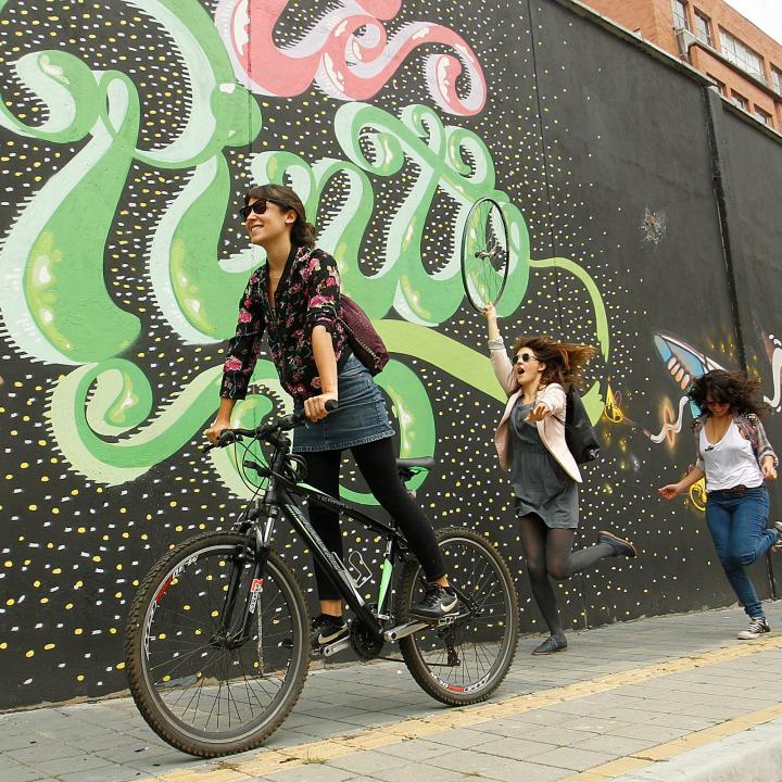 Mujeres en bici enamoran