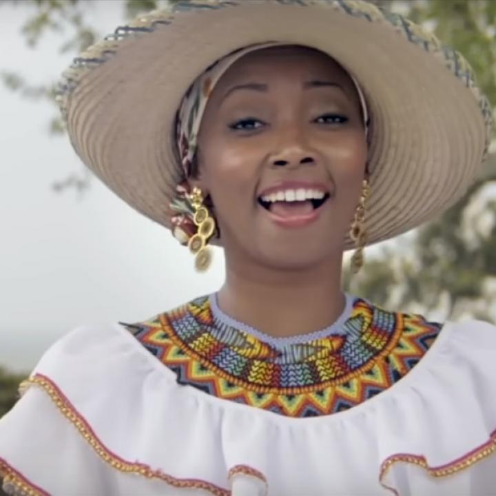 Nidia Góngora - Imagen del video musical 'Demos el primer paso'.