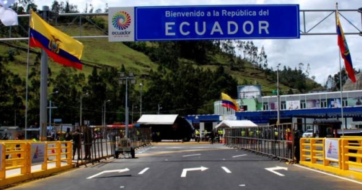 Migrantes intentaron ingresar a fuerza en la frontera con Ecuador | Radio  Nacional de Colombia