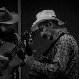 Los adagios-Rubiel Pinillo con Carlos Elliot Jr.
